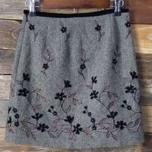 Ann Taylor wool herringbone floral skirt size 2